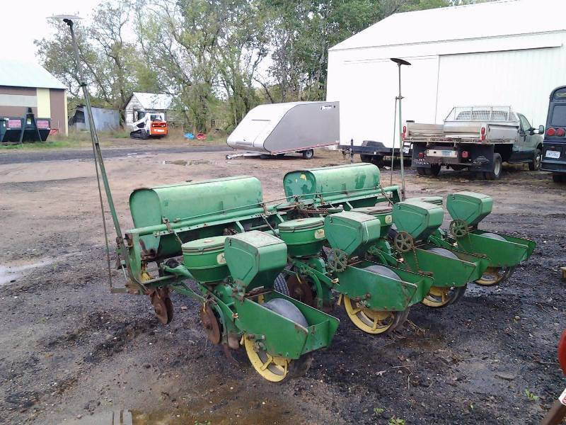 John Deere 4 Row Corn Planter Zimmerman Mn Party Bus Implements