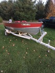 1984 LUND  ALUMINUM OPEN MOTORBOAT WITH 50 HP.  EVINRUDE