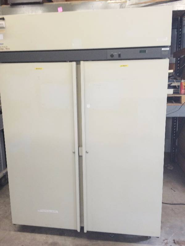 Wow High Performance Commercial Double Door Cooler Baxter