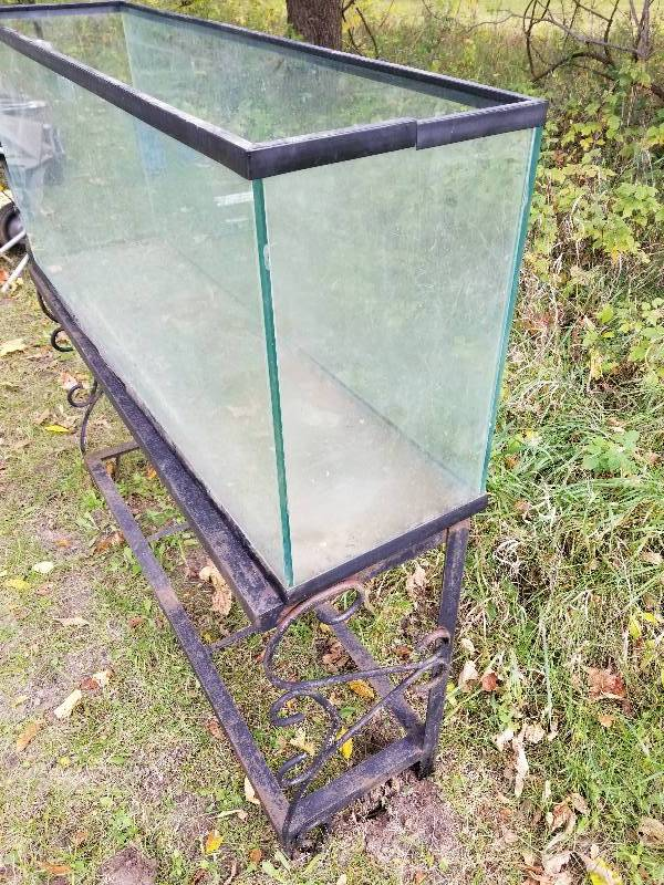 55 gallon fish tank with decorative metal base 2003 for Fish tank trailer