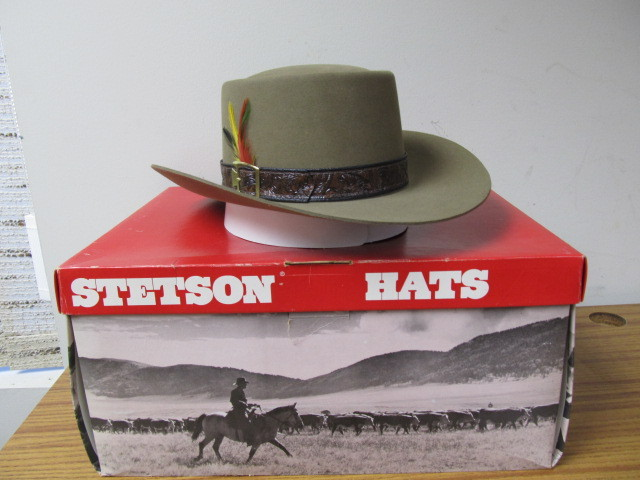 NEW IN BOX Vintage STETSON Revenger XXXX Beaver Hat  5a4a5eb14a2