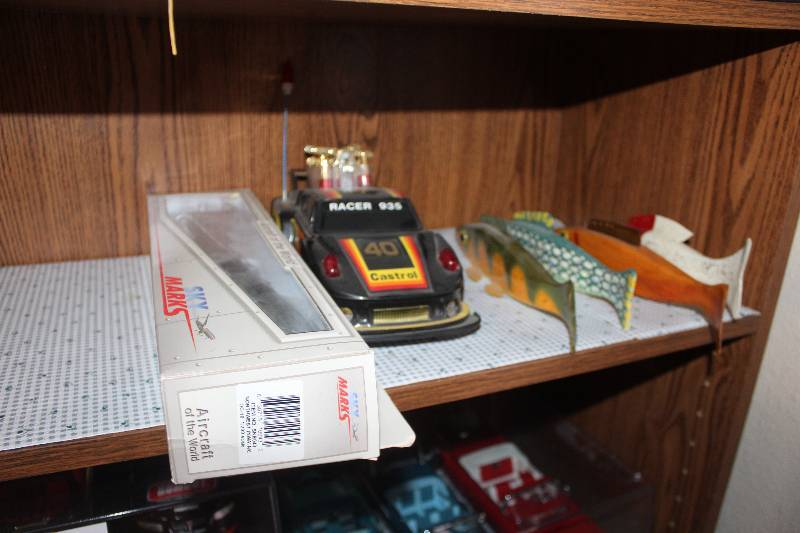 Shelf Lot Of Decorations Northwest Replica Airplane Remote