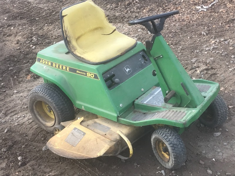 John Deere Electric-90 Riding Lawn Mower