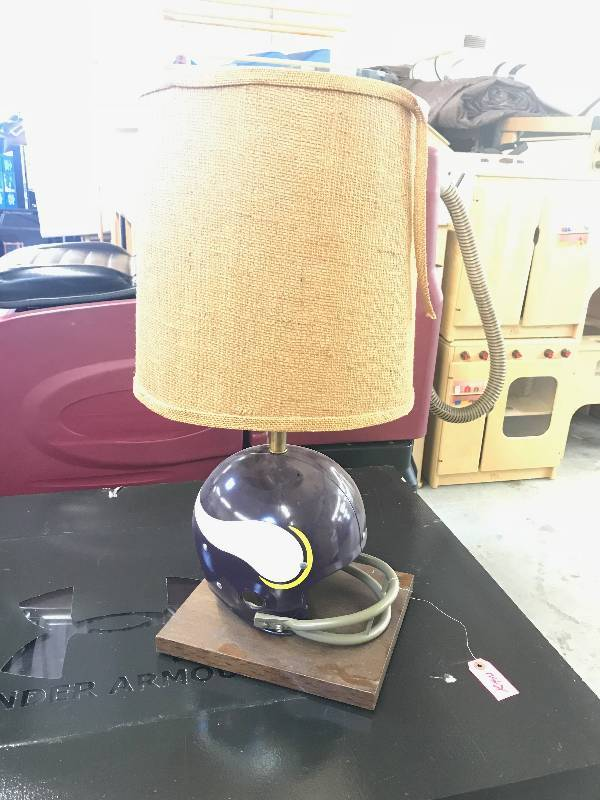 MINNESOTA VIKINGS TABLE LAMP