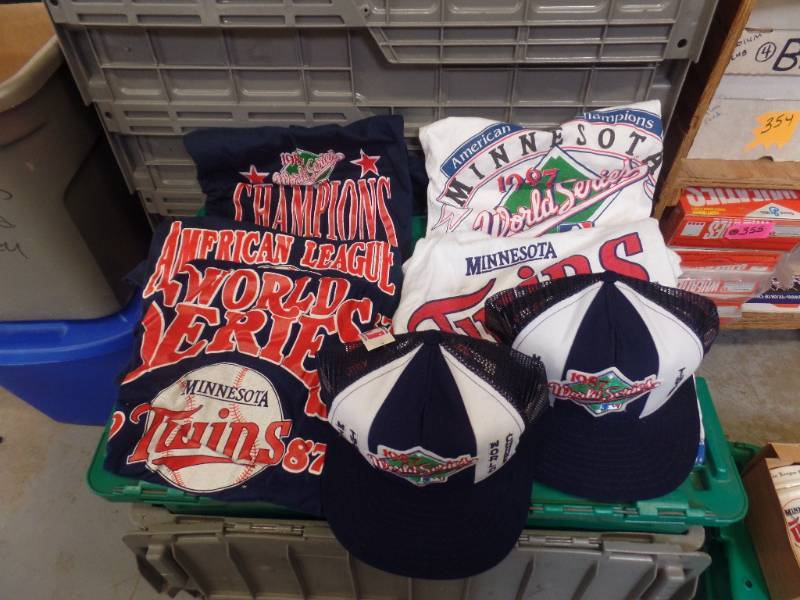 MN TWINS 1987 WORLD SERIES T-SHIRTS & CAPS