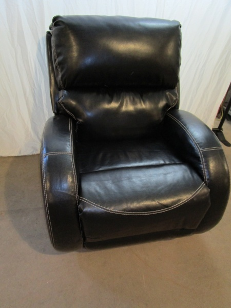 Rocker recliner chair model home furniture shuffleboard k bid Model home furniture auction mn