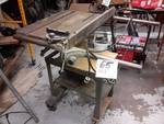 Heavy Duty Table Saw… No tag or writing on this