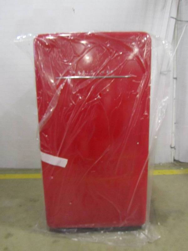Magic Chef Retro 4 4 Cu Ft Mini Refrigerator In Red Mn