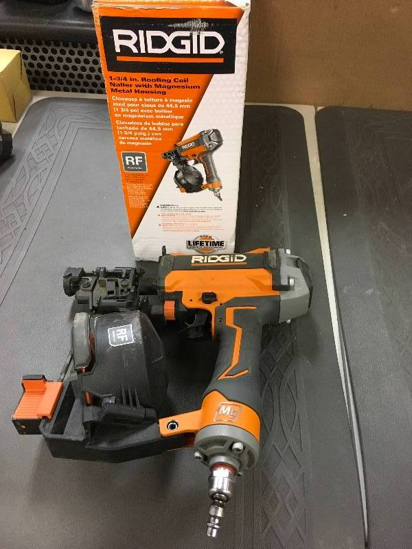 Ridgid 1 3 4 In Roofing Coil Nailer With Magnesium Metal