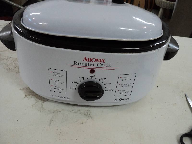 Small Aroma 8 Qt Roaster Oven