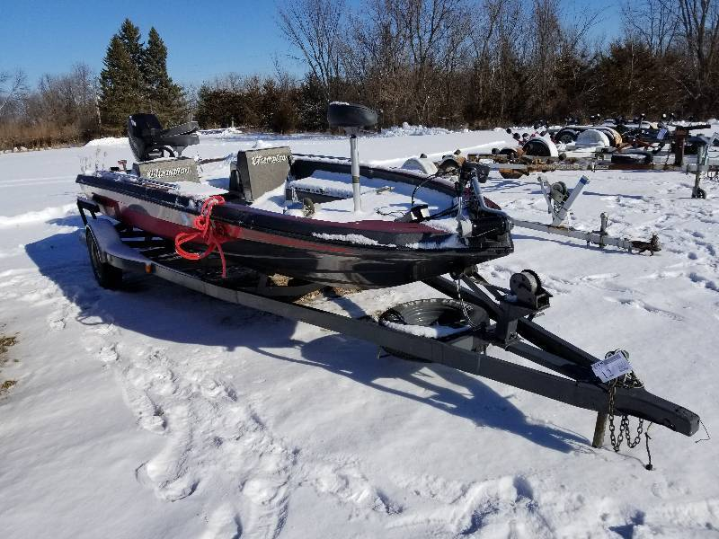 1988 Champion 17 5 Foot Fishing Boat W   Mercury Outboard
