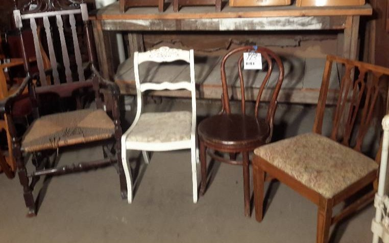 4 side chairs as pictured | Minneapolis Vintage and Antique Furniture and  Accessories.. Industrial Salvage | K-BID - 4 Side Chairs As Pictured Minneapolis Vintage And Antique