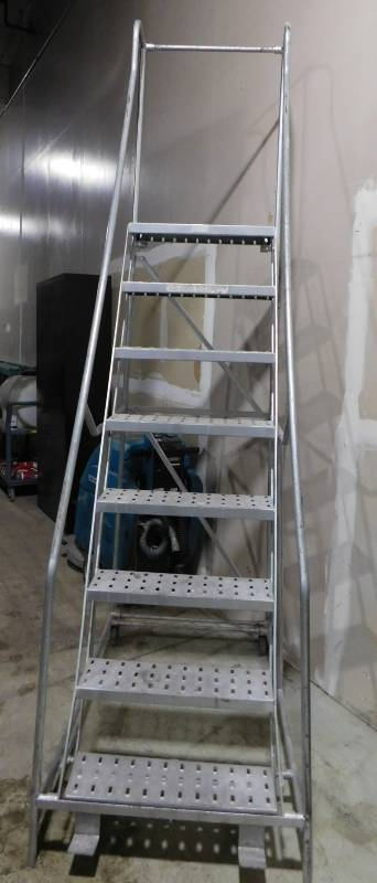 Industrial 8 Step Rolling Ladder Jb Equipment February