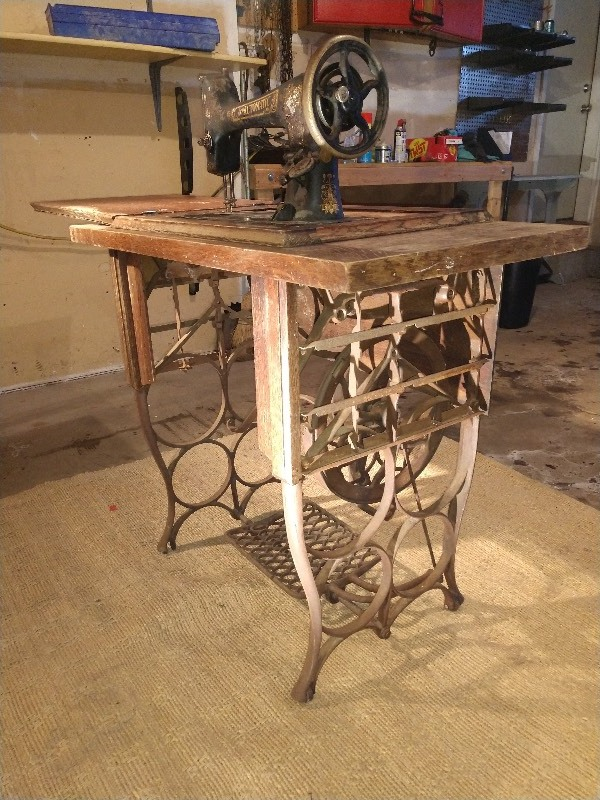 Cast Iron Sewing Machine Cool Table Base W Ornate Pulley