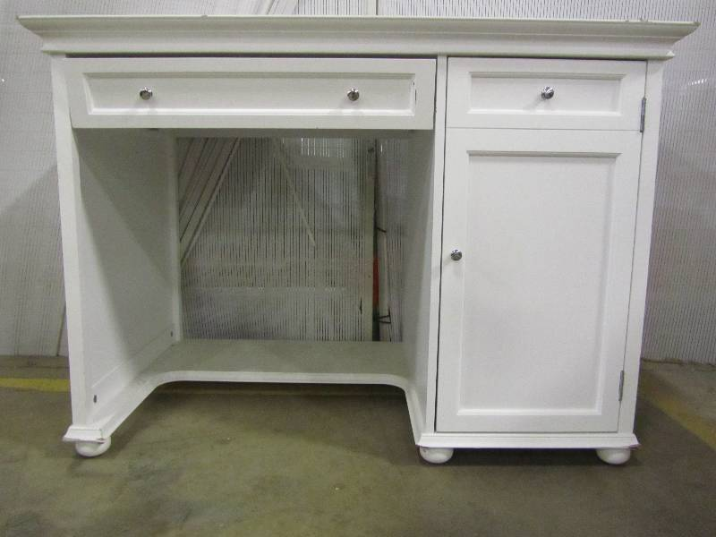 Home Decorators Collection Hampton Harbor White Desk | MN Home Outlet  Auctions Burnsville Furniture/area Rug #1 | K BID