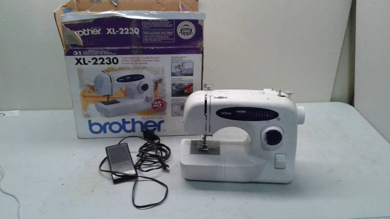 Brother XL40 Sewing Machine Used Works 40 Hunting Items Extraordinary Brother Xl 2230 Sewing Machine