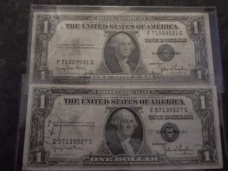2 Us One Dollar Silver Certificates 1935 D Series Type Coins