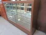 VINTAGE LIGHT UP DISPLAY CASE