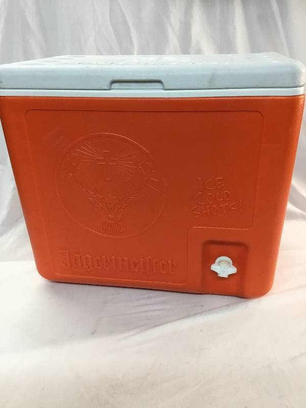 Jagermeister Cooler With 2 Bottle Holder Spring Bar And Beer Items