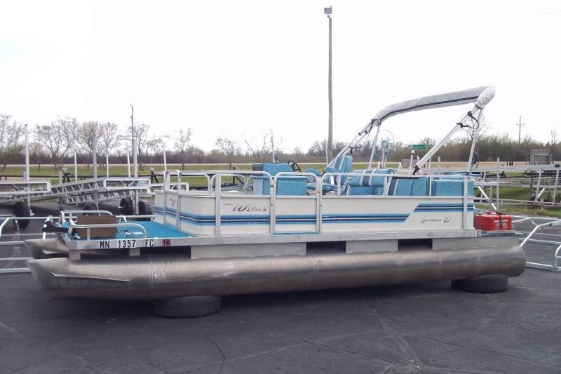1987 Weeres Pontoon | Advanced Sales Consignment Auction