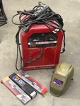 Lincoln 225Amp AC/DC Arc Welder Wit...