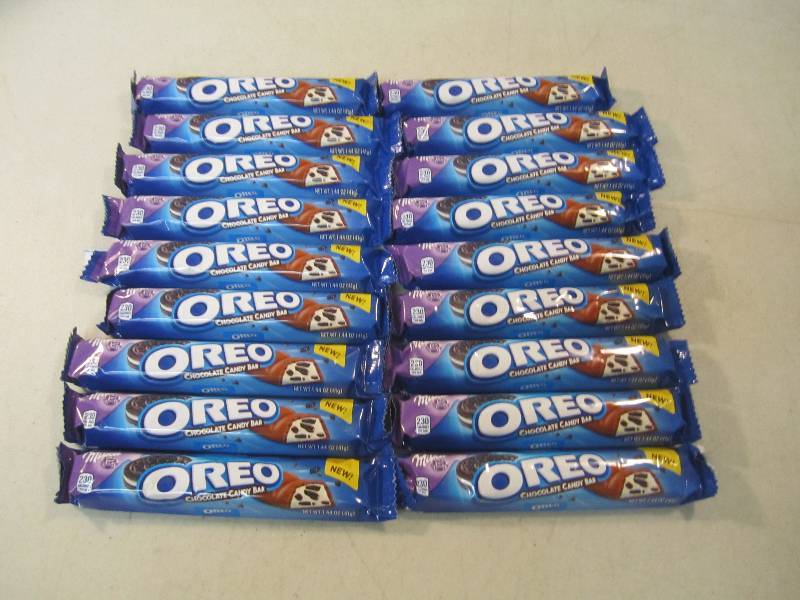 18 Oreo Chocolate Candy Bars Best B Trailer Abandoned Stored