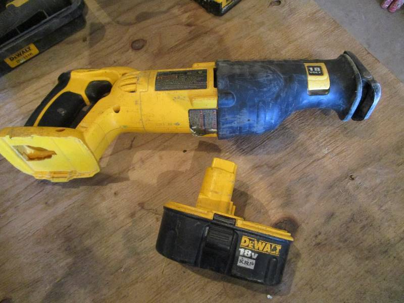 Dewalt 18v Sawzall Complete Construction Business Liquidation K Bid