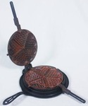 Antique Alfred Andresen & Co. Cast Iron Waffle Iron Minneapolis