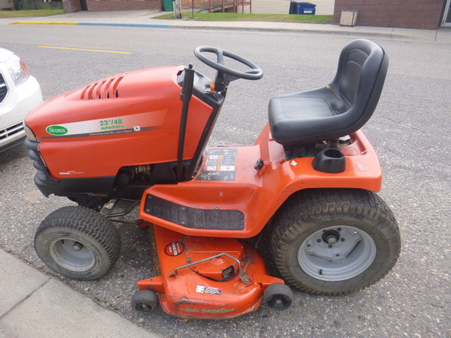 Scotts Manufactured By John Deere Riding Lawn Mower