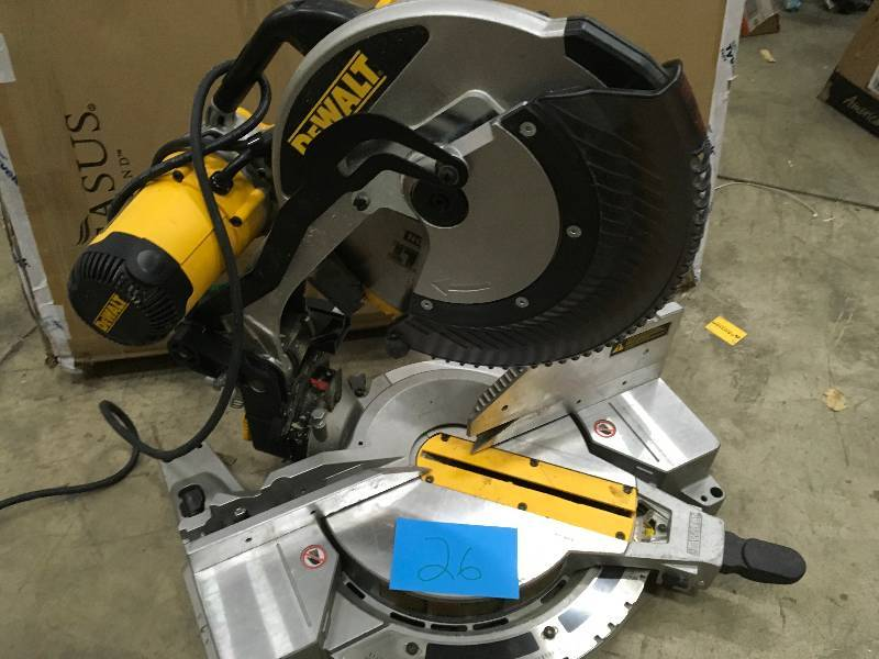 e910dfabaf DEWALT DW716 12 in. Double-Bevel Compound Miter Saw
