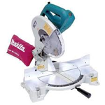 Makita 15 Amp 10 in. Corded Compact Single Bevel Compound Miter Saw with 40T Carbide Blade and Dust Bag in like new condition