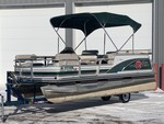 1999 SunTracker Party-Barge Pontoon Boat