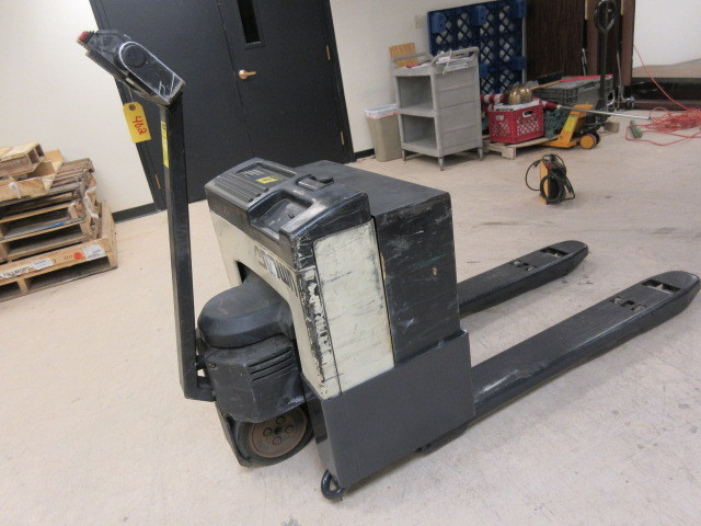 CROWN ELECTRIC PALLET JACK ABI 486 MATERIAL HANDLING AND