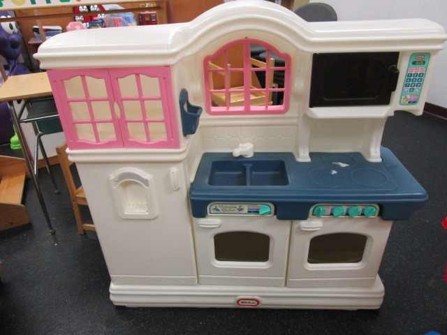 Little Tikes Kitchen Set And Shopping Carts Abi 503 Mound Westonka High School Early Education Center K Bid