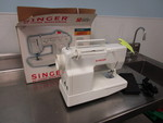 SINGER TABLETOP SEWING MACHINE