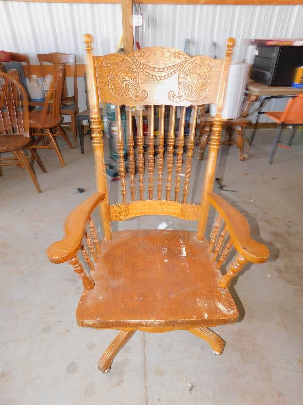 Vintage Wooden Chair Warehouse Clean Out Final Auction 158 K Bid