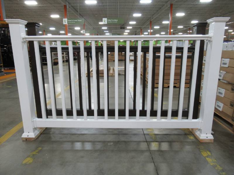 Fiberon Complete Railing System in White  Complete Panel