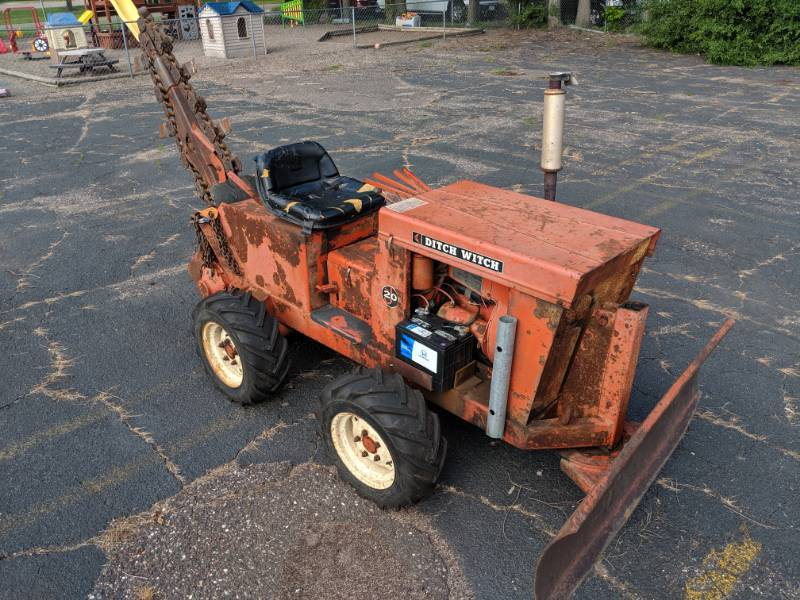 Ditch Witch Model J20 Trencher | August Tools & Equipment
