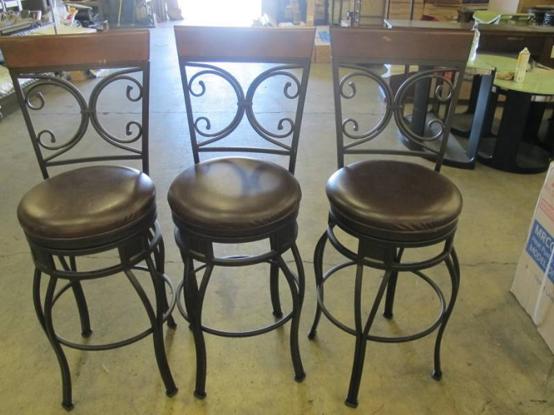 Outstanding 3 Pack Of Matching Counter Height Bar Stools Black Metal Alphanode Cool Chair Designs And Ideas Alphanodeonline