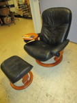 EKORNES LEATHER ARMCHAIR WITH OTTOMAN FOOT REST