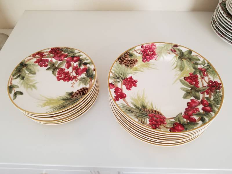 Williams Sonoma Christmas Plates.Festive Christmas Plates By Williams Sonoma Luxury