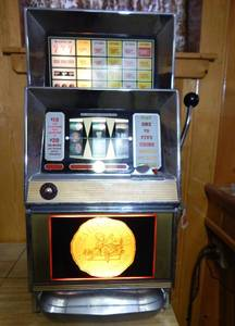 Vintage 1973 Bally Manufacturing Corporation Caesar's Palace Casino Used 5 Cent Slot Machine - UPDATED