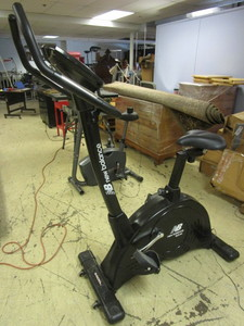 NEW BALANCE BICYCLE EXERCISE MACHINE