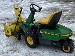 John Deere F525 Snowblower