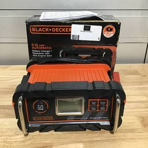 Black & Decker 15 Amp Battery Charger with 40 Amp Engine Start