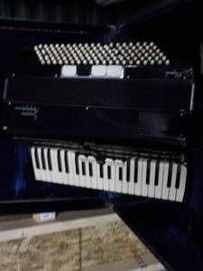 Soprani Amphponic Accordion and Har...