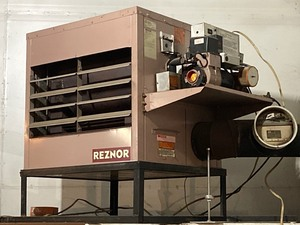 Reznor Industrial Waste-Oil Furnace With Reznor 250-Gallon Fuel Tank