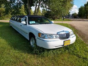 2001 Lincoln Town Car Stretch Limousine