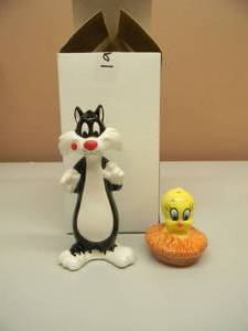 1976 TWEETY & SYLVESTER SALT & PEPPER SHAKERS - NOS! - IN BOX! - NEVER USED! - SEE PICTURES!