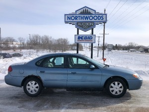 2005 Ford Taurus -No Reserve-